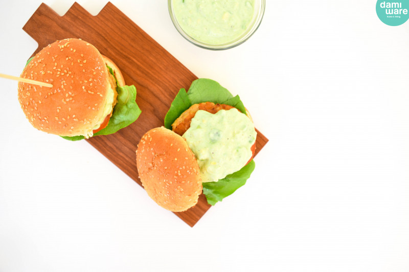 Kipburger met Avocado Aioli
