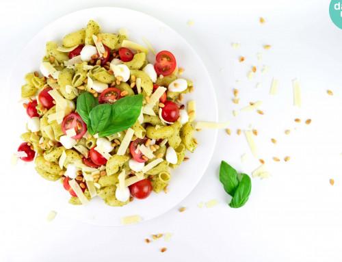 RECEPT: Caprese pastasalade met pesto