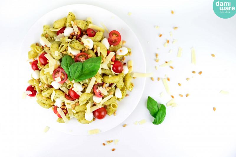 Caprese Pesto Pasta